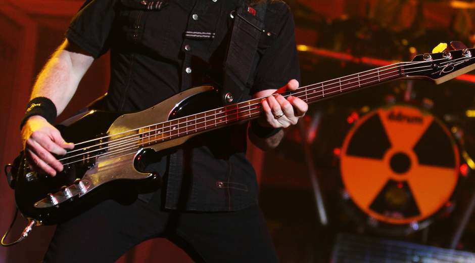 epa02075977 Bassist David Ellefson of US rock band Megadeth performs in concert at the Murat Theater in ...