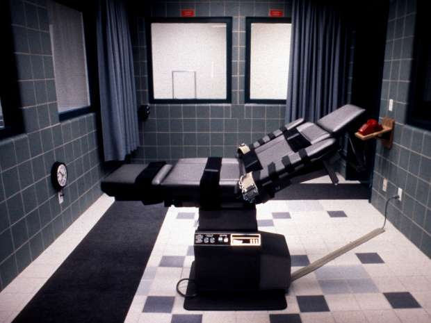 This undated photo released 09 April 2001 shows the execution chamber in the Federal Prison in Terre Haute, ...