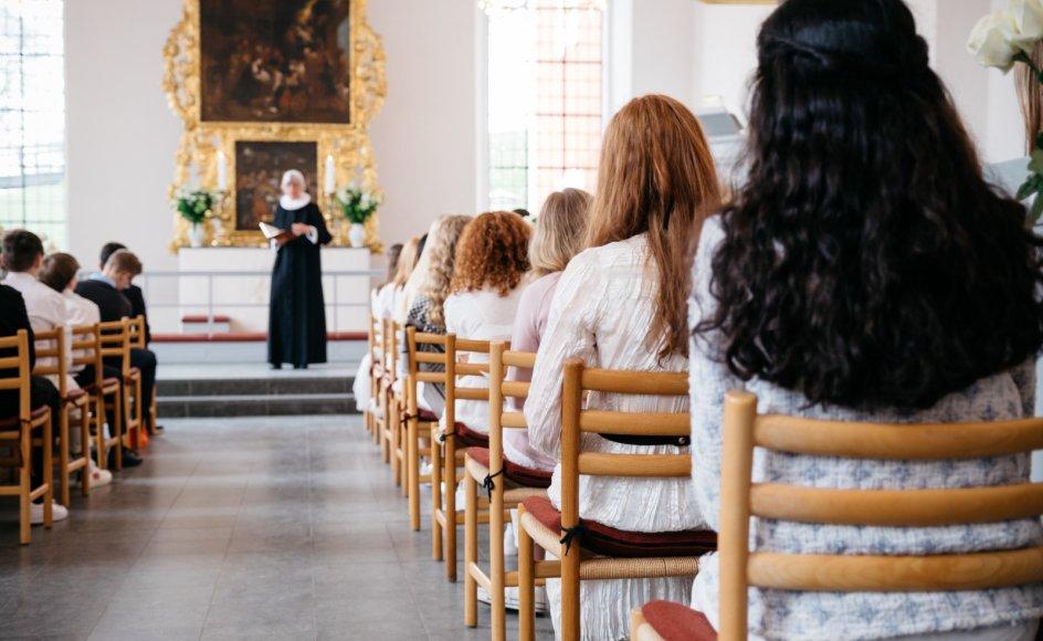 Gudstjenesten bør ikke indrettes efter lejlighedsvise kirkegængere, der kun dukker op ved eksempelvis konfirmationer, mener Ole Juul.